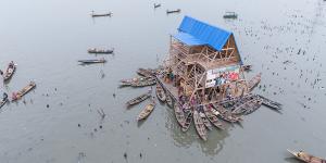 floating-school-was-built-in-the-Makoko