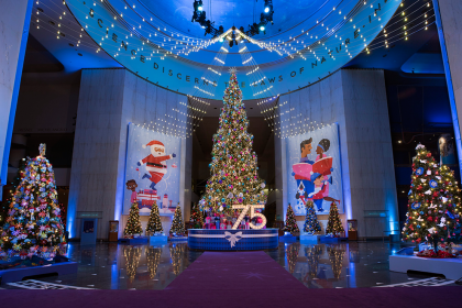 Nigeria Tree Added To This Year's Christmas Around The World Exhibition | Eko Pearl Towers